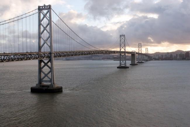 bay_bridge_into_san_francisco